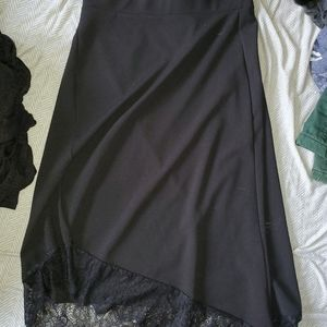 H&M black asymmetrical skirt with lace on bottom